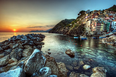 Cinque Terre Sunset photo by ShutterRunner
