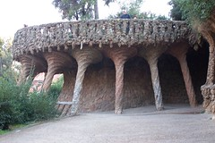 Twisted columns in Park Güell