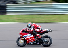 Ben Bostrom on his Ducati 999
