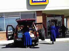 Amish At Aldis