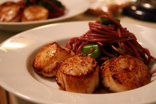 Scallops with Red Wine Spaghetti