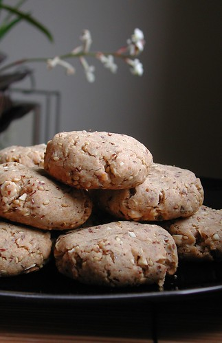 Sesame Nut Cookies