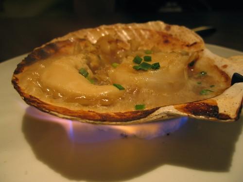 simmering scallops