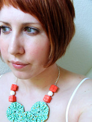me green&orange yoyo necklace