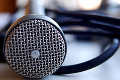 Resting Microphone
