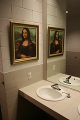 mona lisa in the bathroom
