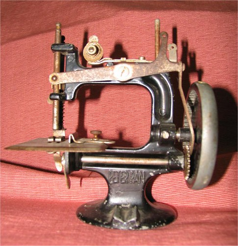 Peter Pan sewing machine