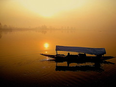 Sunset at Dal Lake photo by johnshlau