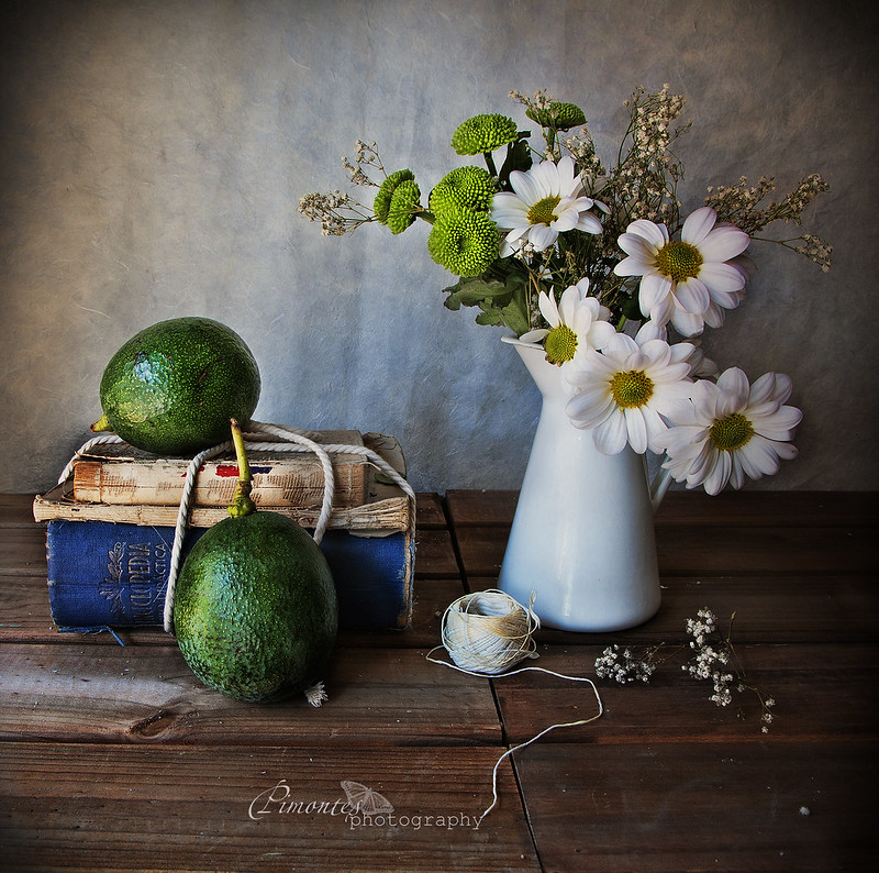 A vuelta con los aguacates.... photo by pimontes