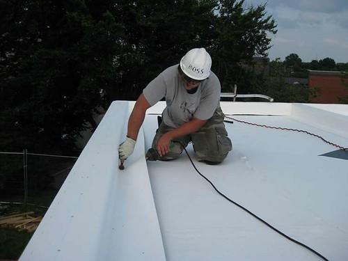 Protege tu techo con membranas de pvc impermeabilizantes - Tejados de pvc ...
