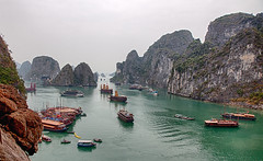 HaLong Bay photo by Warren - wh_nyc (On and Off)
