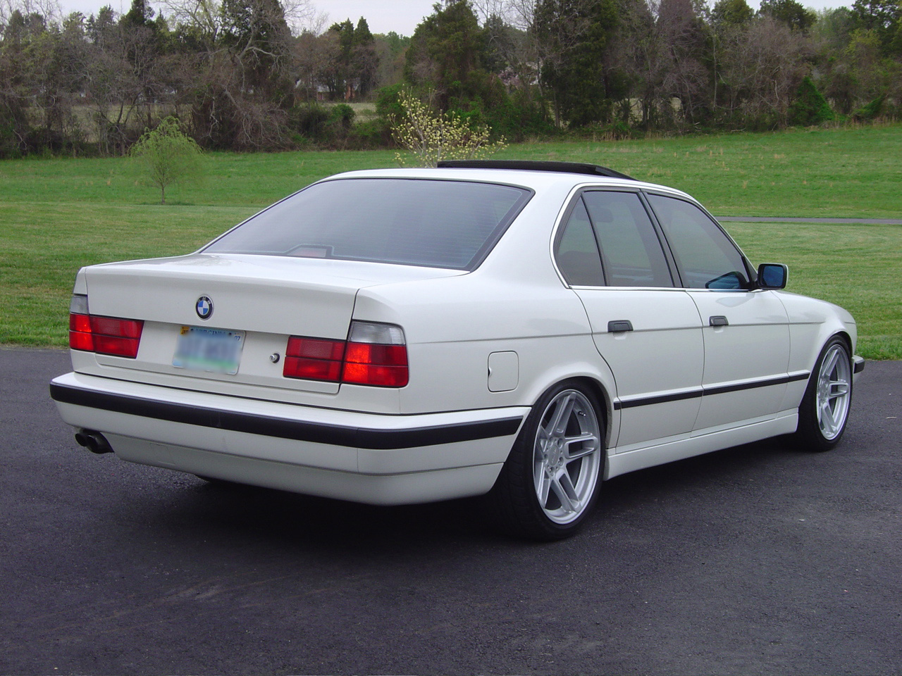 E34 Wagon with M-parallels - Page 2