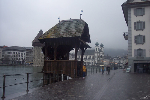 La entrada del puente de la Capilla.