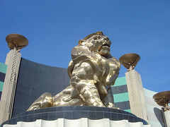 MGM Grand - Lion statue