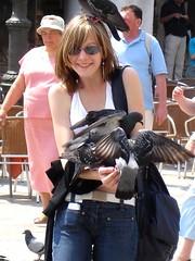 聖馬可廣場餵鴿子_001