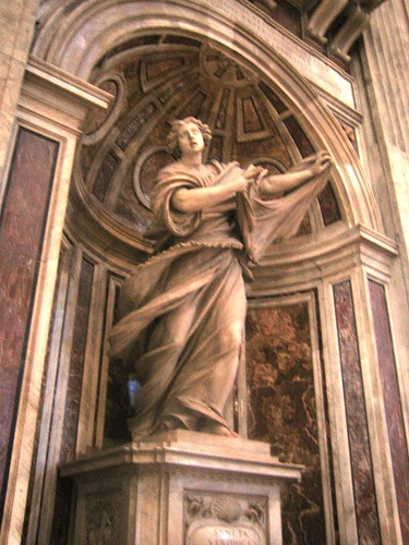 st-peters-basilica-statue-3