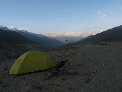 Campspot 30km from Langar, with Afganistan mountains in distance / ランガール村まであと30kmの野宿(タジキスタン(向こうの山はアフガニスタン))