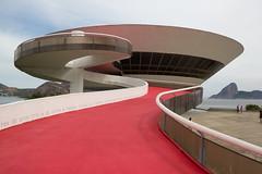 Museu de Arte Contemporânea, Niterói, Brazil by Oscar Niemeyer photo by maxunterwegs