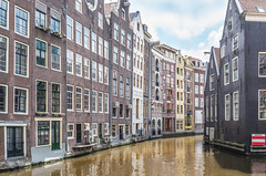 Historic canal houses in Amsterdam - Grachtenpanden in Amsterdam photo by RuudMorijn