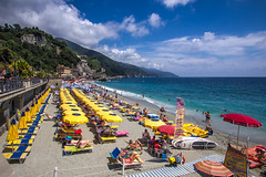 Monterosso photo by Peter Jaspers(busy)