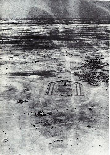 le cimetière de Bir Hakeim vue d'avion