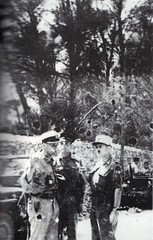 1944-  Provence- Le colonel Raynal,  le cc Frantz (allemand)  et un officier du recce (italien) col. Yves Gras  - Paul gaujac