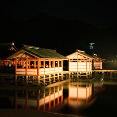 厳島神社 photo by deco_o
