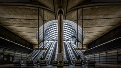 Canary Wharf Underground Station photo by LeePellingPhotography.co.uk