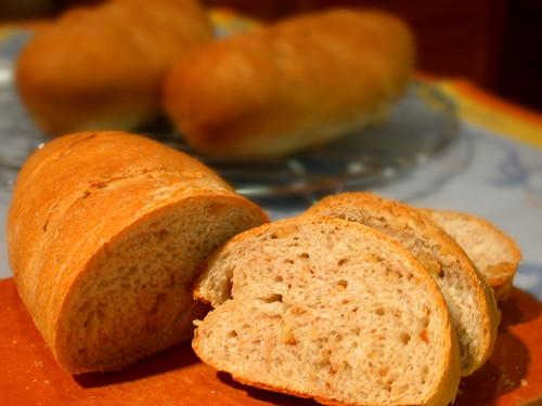 くるみとキャラウェイシードのパン