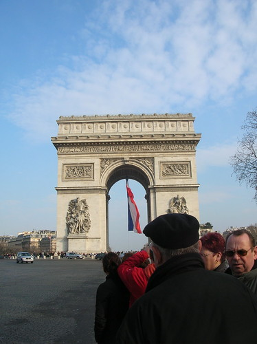 how many clues tell you we're in Paris?