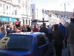 Cyrraedd Sgwâr Owain Glyn Dŵr, Aberystwyth