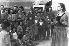 josefina aldecoa en una representacion de las misiones pedagogicas