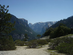 Yosemite - View into the Valley