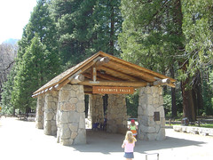 Yosemite Fall Shuttle Station