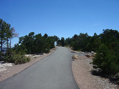 Mather Point - paved hiking trail