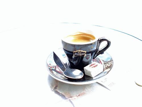 A cup of café