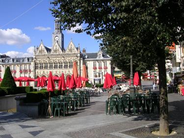 Place de l'Hôtel de Ville, Saint-Quentin