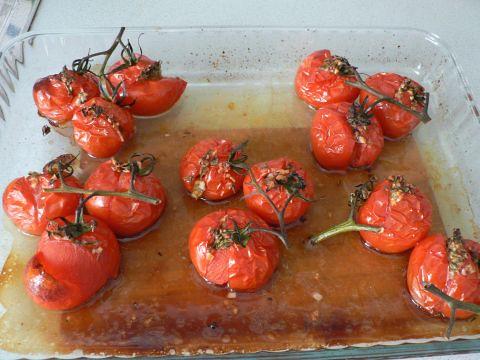 Garlic & thyme roasted tomatoes