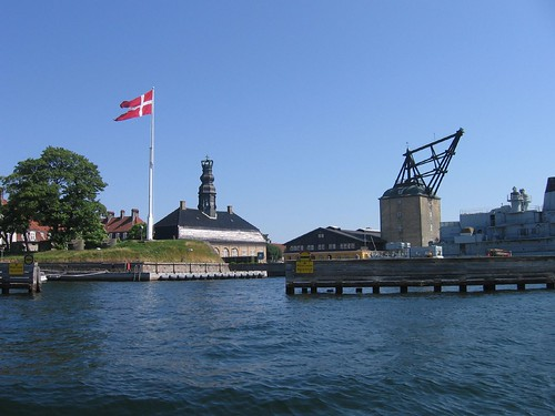 The naval fort and the old crane