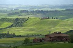 Ascolta, si fa sera - Listen, it is nearly evening (Tuscany, Italy) photo by ricsen