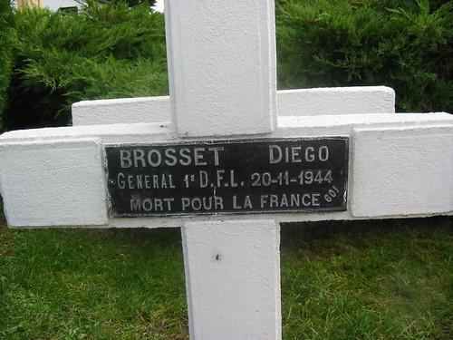Franche Comté- Rougemont - Tombe du général  Brosset - Crédit photo : Alain Jacquot Boileau