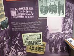 BP- Musee de la 2e guerre mondiale - Noumea - Vitrine dediee au Bataillon du Pacifique- col. J-C Tranape