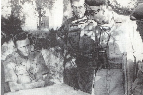 1944 - Devant La Garde colonel Garbay cdt de Morsier et officier 8e RCA - col part- Paul Gaujac