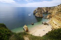 Praia da Marinha photo by Gregor  Samsa