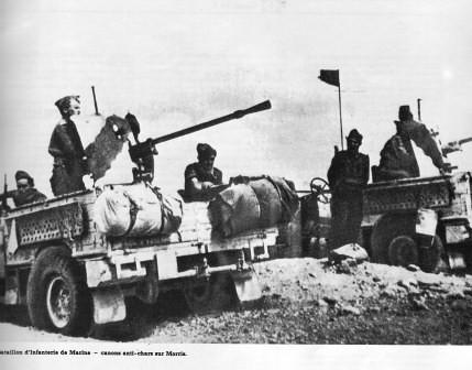 BIM- 1942- Bir Hakeim- canons anichars montés sur Morris - Icare n° 100