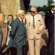 André-gravier-avec-le-fils-du-compagnon-gilbert-grandval-1986  - Crédit photo : Jérôme Kerfech