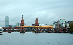 Oberbaumbrücke Friedrichshain photo by lhb-777