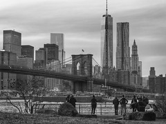 Watching Manhattan from Brooklyn Bridge Park (New York, USA. Gustavo Thomas © 2014) photo by Gustavo Thomas