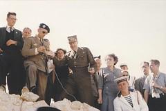 1955 - Pèlerinage Bir Hakeim - Bernard Saint Hillier et Pierre Koenig à droite