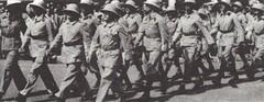 BP-1941-  Défilé des volontaires calédoniens dans les rues de Noumea -Mémoires de Roger Ludeau
